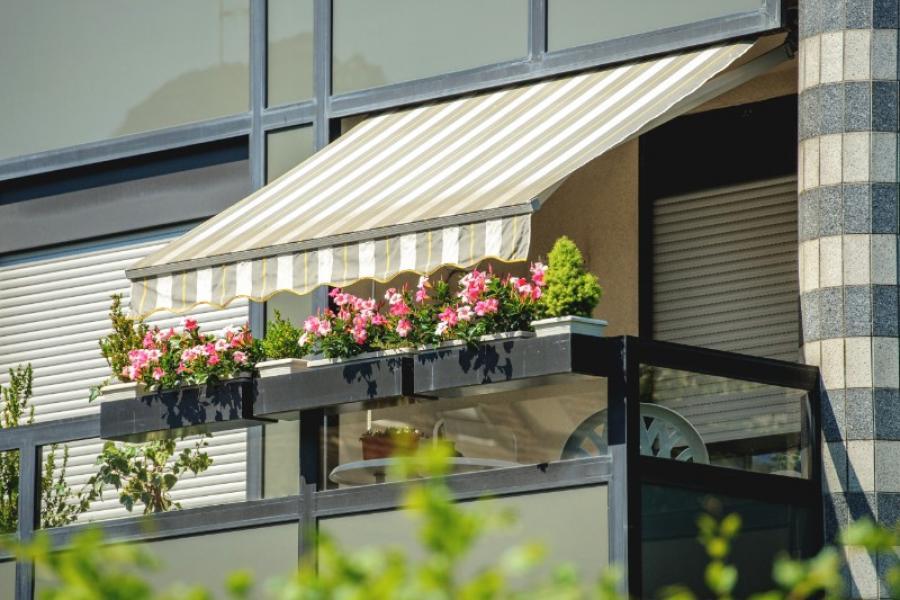 Stores à Aix-en-Provence – DOMOLYS